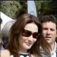 Carla Bruni lors de la première régate Virginio Bruni-Tedeschi au Lavandou, en avril 2009.