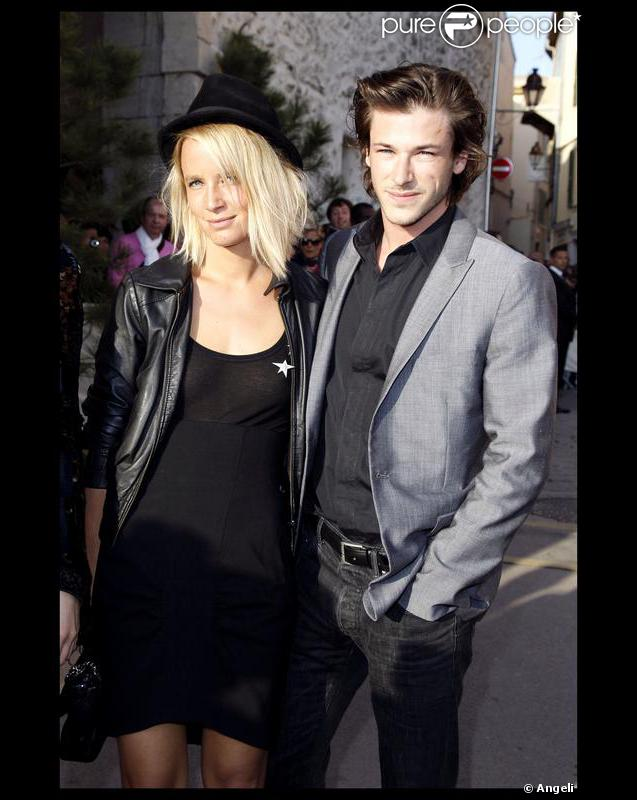 jordane crantelle et gaspard ulliel lors du d fil chanel croisi re saint tropez en 2010. Black Bedroom Furniture Sets. Home Design Ideas