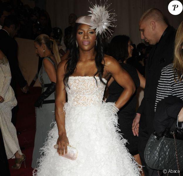 Serena Williams s'est trompée de jour pour le mariage de Will and Kate ! Non à cette robe poilue... New York, 2 mai 2011