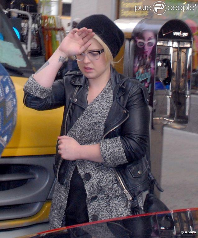 Kelly Osbourne timide et peu aimable à New York le 2 mai 2011