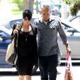 Selma Blair et son compagnon Jason Bleick dans les rues de Los Angeles le 10 mai 2011. Le couple se rendait au rendez-vous gynécologique de l'actrice qui va accoucher dans quelques jours.
