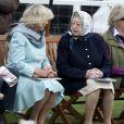 La reine Elizabeth II et Camilla très complices au Royal Windsor Horse Show, le 12 mai 2011.