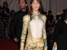 PHOTOS : Charlotte Gainsbourg parmi les retardataires  glamours à la soirée au Met à New York !