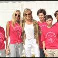Cécile de Ménibus et d'autres participants lors des Boucles du Coeur, le 22 mai 2011, à l'Hippodrome de Longchamp. L'événement était organisé au profit de SOS Villages d'Enfants.