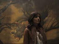 Katie Holmes, totalement effrayée dans une maison hantée...