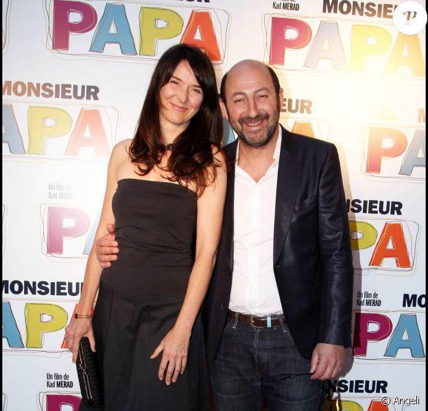 Emmanuelle Cosso Merad et Kad Merad à l'occasion de l'avant-première de Monsieur Papa, à Paris, le 31 mai 2011.