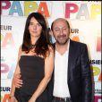 Emmanuelle Cosso Merad et Kad Merad à l'occasion de l'avant-première de  Monsieur Papa , à Paris, le 31 mai 2011.