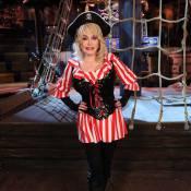 Dolly Parton : Quand Barbie country débarque chez les pirates !