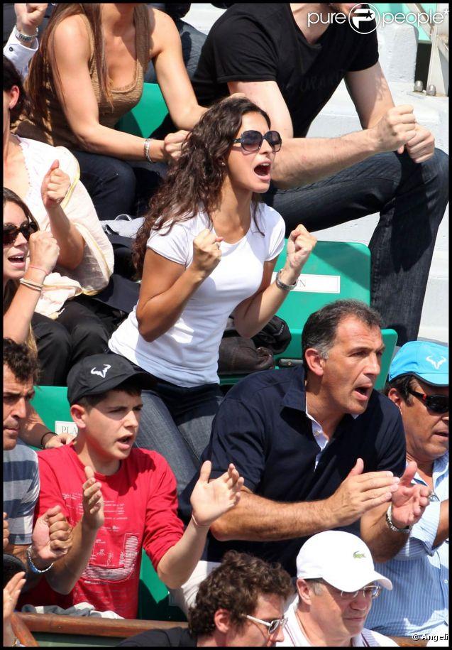 Francisca 'Xisca' Perello, dimanche 5 juin 2011, vivait chacun des points de la finale de Roland-Garros par procuration, encourageant de tout son amour son champion chéri : Rafael Nadal. Et elle n'a pas été déçue : l'Espagnol s'offre sa sixième Coupe des Mousquetaires.