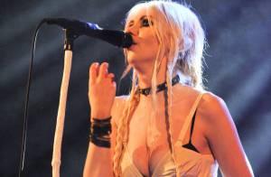 Taylor Momsen toujours provoc et à moitié nue pour ses fans français