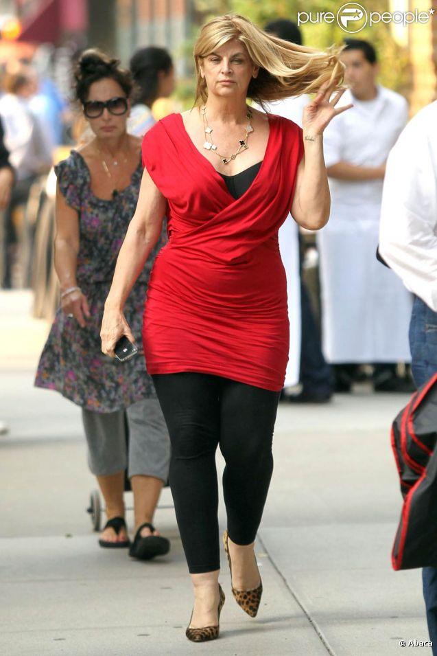 Kirstie Alley marche dans les rues de New York, le 10 juin 2011.