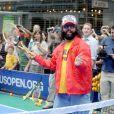 Fidèle à lui-même, Judah Friedlander participait le 13 juin 2011, à Times Square (New York), au lancement de la mise en vente des places pour l'US Open 2011 (fin août-début septembre).