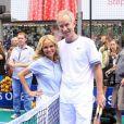 Le 13 juin 2011, à Times Square (New York), le courant est bien passé entre John McEnroe et Kristin Chenoweth pour la promotion de la mise en vente des places pour l'US Open 2011 (fin août-début septembre).