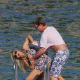 Geri Halliwell prend du bon temps à Saint-Jean-Cap-Ferrat avec son petit ami Henry Beckwith. Les amoureux s'aiment depuis maintenant deux ans. Le 28 mai 2011