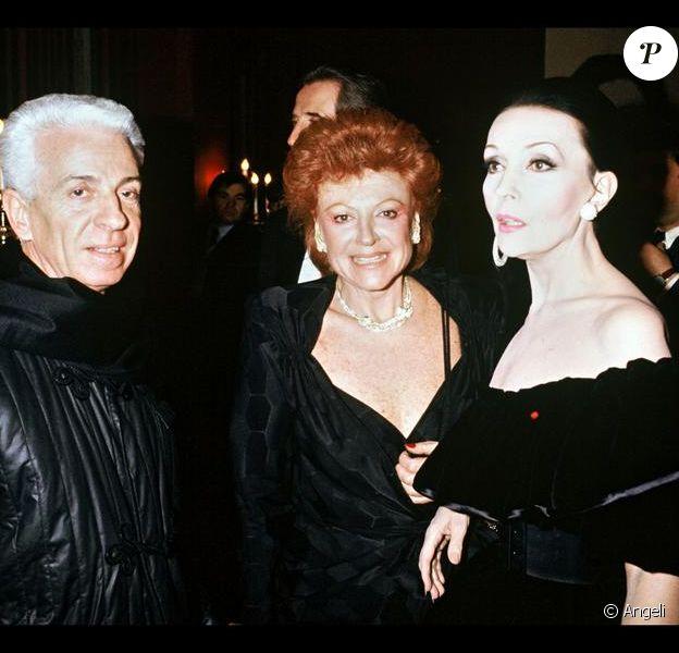 Frédéric Castet est décédé le 16 juin 2011 à l'âge de 81 ans. Il est le  créateur de la haute fourure et du prêt-à-porter fourrure chez Dior en  1968. Ici aux côtés de Régine et Ludmilla Tcherina. Paris, 1987