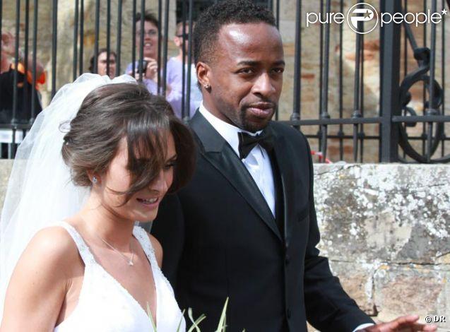 Sydney Govou et sa femme Clémence lors de leur mariage le 18 juin 2011 à Replonges