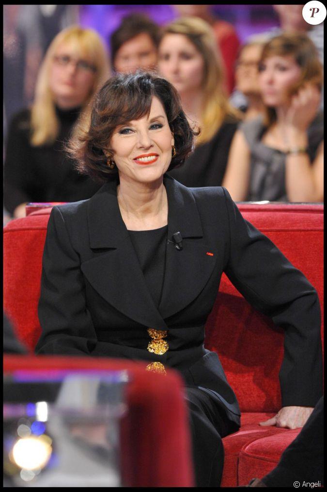 Denise Fabre Soutien Le Troph U00e9e Des Femmes En Or