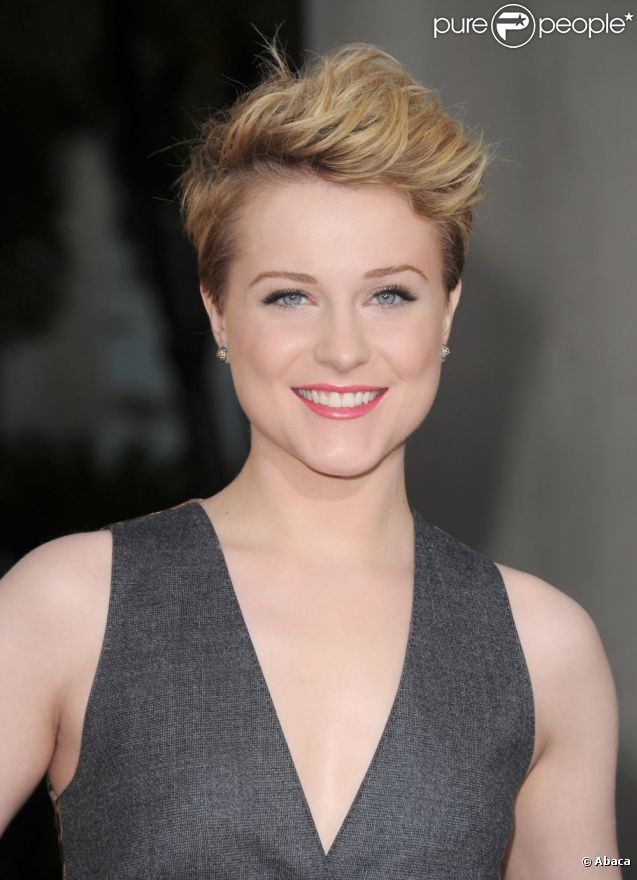 evan rachel wood multiplie les exp riences capillaires avec sa coupe gar onne purepeople. Black Bedroom Furniture Sets. Home Design Ideas