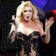 Britney Spears sur scène à Los Angeles, pour le Femme Fatale Tour, le 20 juin 2011.