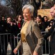 Christine Lagarde tente d'adapter ses looks à sa grande taille : elle mesure 1, 80 mètres et chausse du 42.