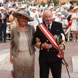 Albert et Paola de Belgique, le jour de leurs 52 ans de mariage, sur le tapis rouge du Palais Princier de Monaco, pour le mariage religieux du prince Albert et de la princesse Charlene.   Le prince Albert II de Monaco et Charlene Wittstock avaient convié près de 800 invités, dont beaucoup de têtes couronnées (les cours d'Europe étaient notamment bien plus représentées qu'au mariage de William et Kate), à leur mariage religieux, le 2 juillet 2011 en Principauté.
