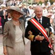 Le roi Albert II et la reine Paola Belgique, le jour de leurs 52 ans de mariage, sur le tapis rouge du Palais Princier de Monaco, pour le mariage religieux du prince Albert et de la princesse Charlene.   Le prince Albert II de Monaco et Charlene Wittstock avaient convié près de 800 invités, dont beaucoup de têtes couronnées (les cours d'Europe étaient notamment bien plus représentées qu'au mariage de William et Kate), à leur mariage religieux, le 2 juillet 2011 en Principauté.