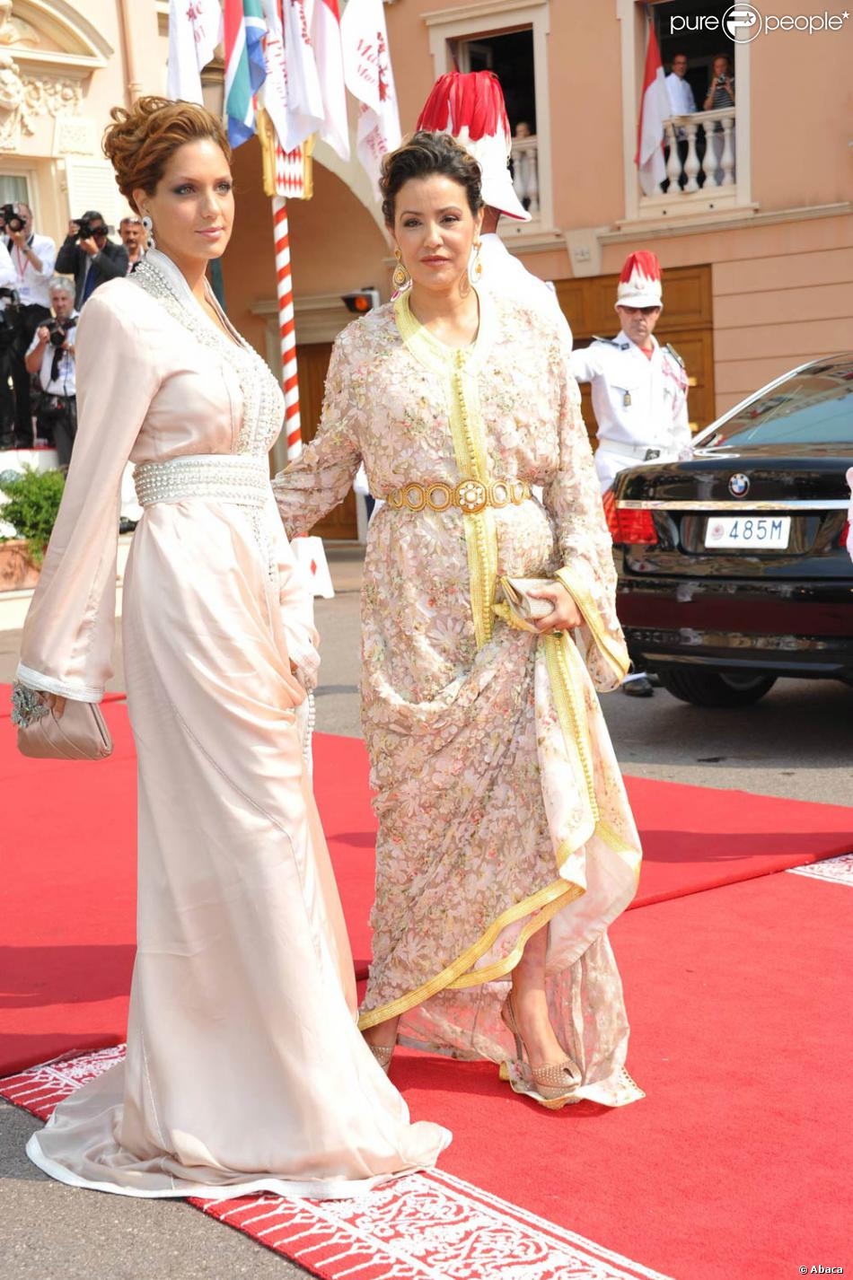 La princesse lalla meryem du maroc sur le tapis rouge du for Code de robe de mariage de palais de justice