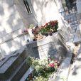 Tombe de Jim Morrison au cimetière du Père Lachaise, le 19 juillet 2007.