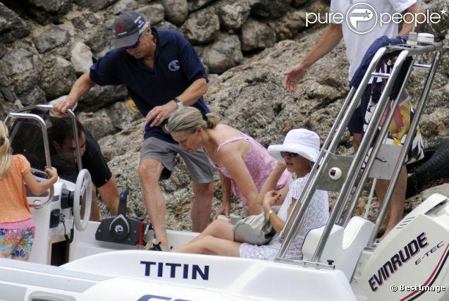 Michael Douglas et Catherine Zeta-Jones voguent en vacances à Majorque le 3 juillet 2011