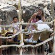 Catherine Zeta-Jones en vacances avec amis et famille à Majorque le 3 juillet 2011