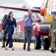 Dans la soirée du 4 juillet, après une journée très sport, William et Kate atterrissaient à Yellowknife, dans les Territoires du nord-ouest.   Le prince William et la duchesse Catherine de Cambridge poursuivaient  leur Royal Tour 2011 du Canada lundi 4 juillet 2011 du côté de l'Île du  Prince Edouard.