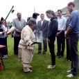 Le prince William et la duchesse Catherine de Cambridge, dans le cadre de leur Royal Tour, ont passé le lundi 4 juillet 2011 dans la région de l'île du prince Edward : sur place, une cérémonie traditionelle menée par une doyenne Mi-kmaq pour purifier corps et esprit.