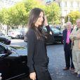 Katie Holmes arrive au Théâtre Chaillot pour assister au défilé Armani lors de la Fashion Week parisienne le 5 juillet 2011