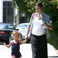 Jessica Alba et sa fille Honor, lors d'une balade à L.A le 6 juillet 2011