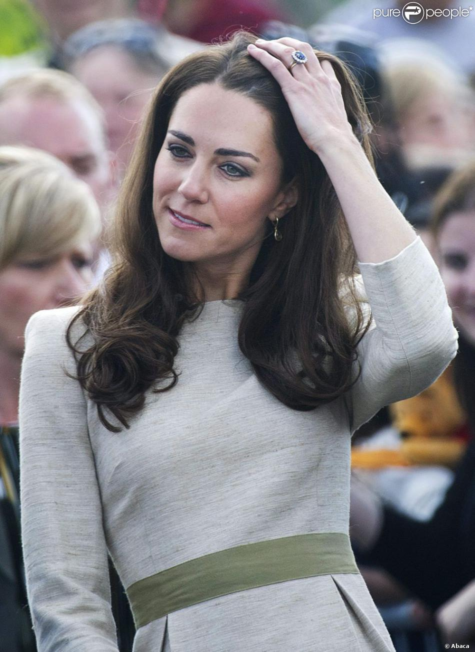 Robe droite kate middleton