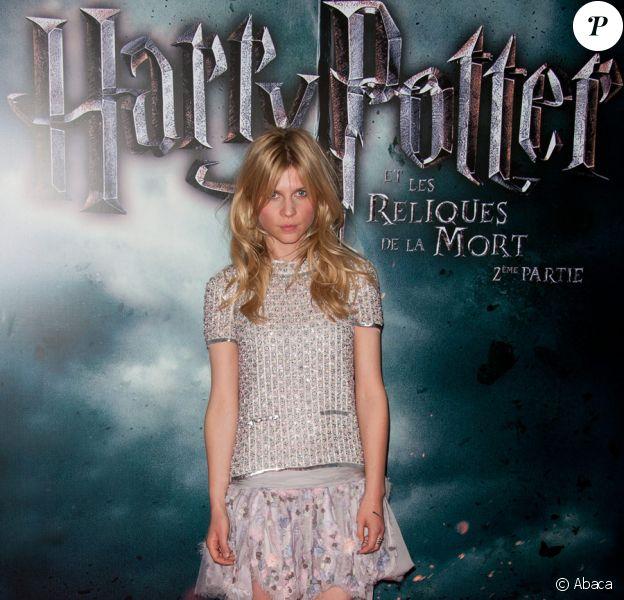 Clémence Poésy, en total look Chanel, lors de l'avant-première de Harry Potter et les reliques de la mort - partie II à Bercy (Paris) le 12 juillet 2011