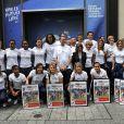 Les Bleues au Nike Store des Champs-Elysées le 18 juillet 2011.