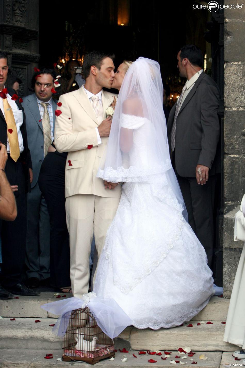 Elodie Gossuin et son mari Bertrand lors de leur mariage, en juillet 2006.
