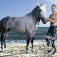 Oscar Pistorius, athlète sud-africain, handicapé, sur la plage de Grosseto, en Italie le 10 juillet 2011