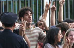 Sacha Baron Cohen : Un dictateur, une chèvre, une poubelle... Un tournage fou