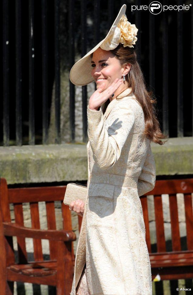Kate Middleton au mariage de Zara Phillips et Mike Tindall à Edimbourg, le 30 juillet 2011. La duchesse est superbe !