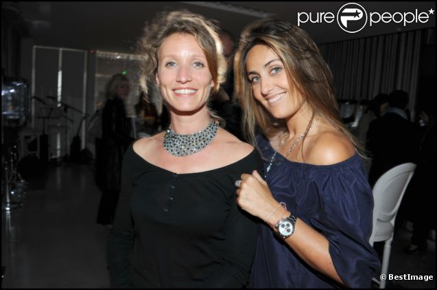 Alexandra Lamy et Valérie Messika lors de la soirée Messika à Paris en avril 2011