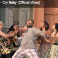 Jaleel White, l'inénarrable Steve urkel de la série La vie de famille, joue le rôle de Cee Lo Green dans le clip euphorisant de  Cry baby , extrait de l'album  The Lady Killer  !