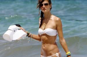 Alessandra Ambrosio fait ramer son homme pour profiter du soleil