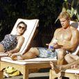 Les ados passent leur temps à la plage, dans le remake de Beverly Hills, 90210 !