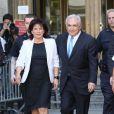 Dominique Strauss-Kahn et Anne Sinclair ressortant du tribunal le 1er juillet 2011