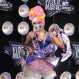 Lady Gaga/Jo Calderone posent avec ses deux prix lors des MTV Video Music Awards, à Los Angeles, le 28 août 2011.