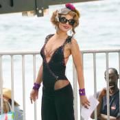 AnnaLynne McCord : Super sexy en assistante coquine d'un magicien