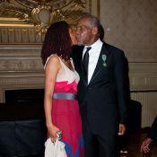 Danny Glover, devant notre ministre, déborde d'amour pour sa compagne Eliane