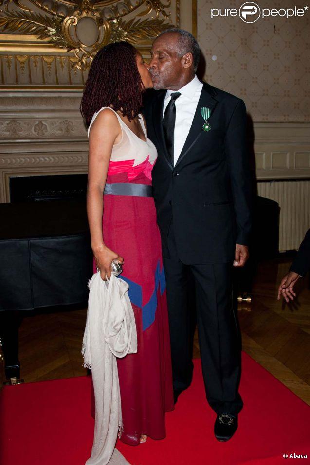 Danny Glover et sa compagne Eliane Cavalleiro, à Paris, le 12 septembre 2011.